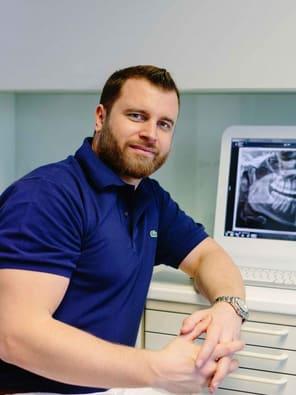 Schwerpunkt Orale Chirurgie: Dr. Jochen Leidl